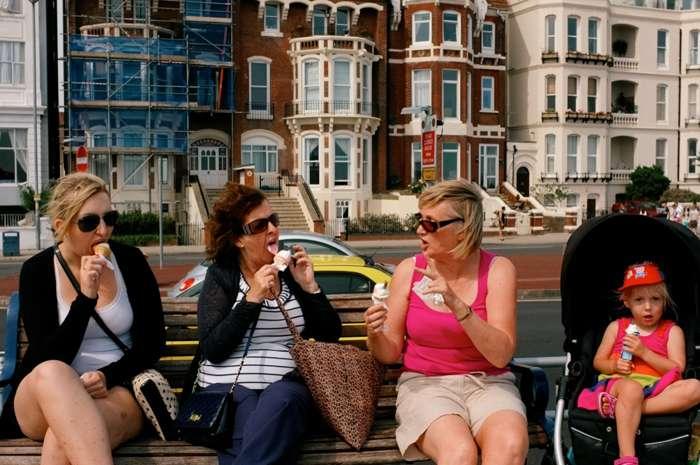 Family fun ice-creams in the sun