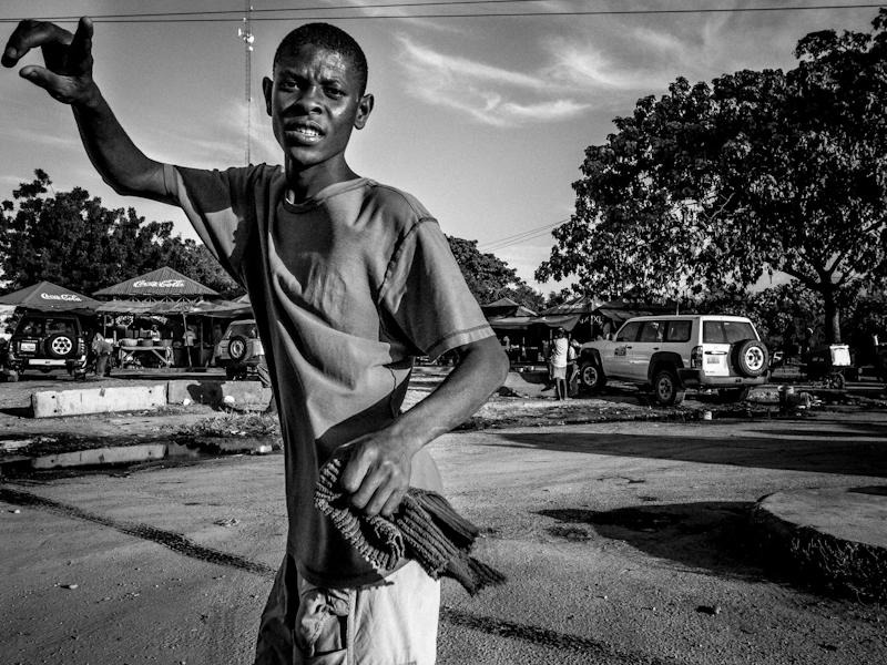 ricoh-grd-iv-haiti-street-photography-3