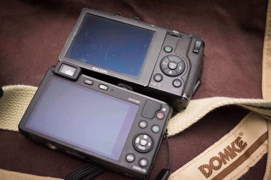 Panasonic-LF1-vs-Ricoh-GRD-IV-3
