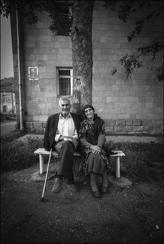 street-photography-armenia-old-couple