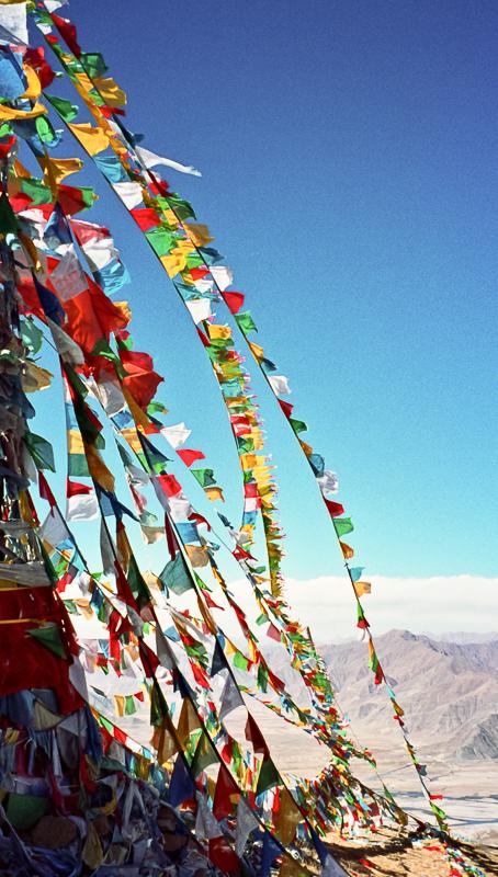 2-alan-humphris-tibet-prayer-flags