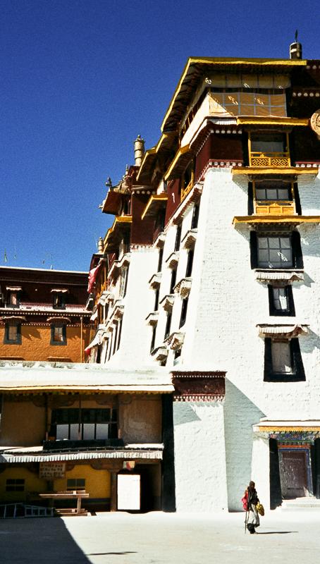 4-alan-humphris-tibet-the-potala