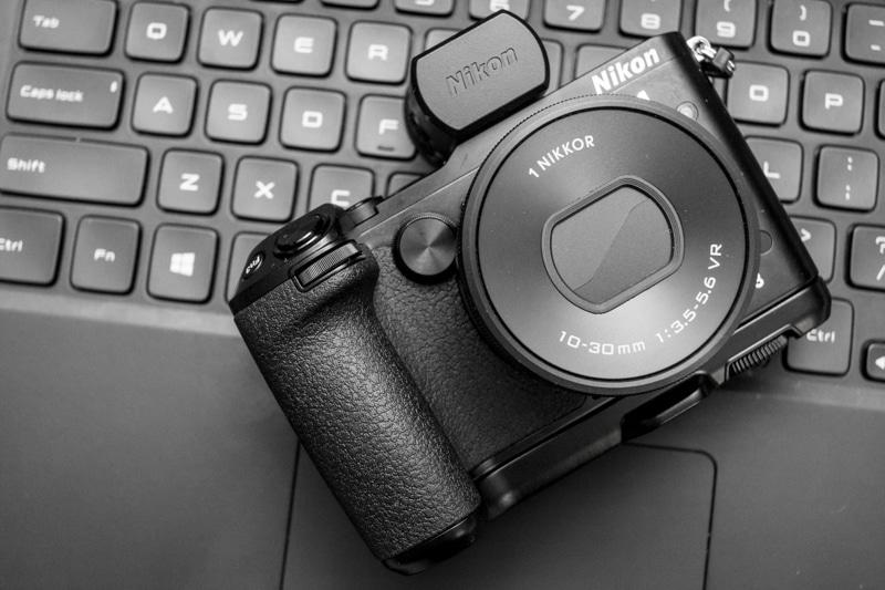 Nikon-V3-font-1