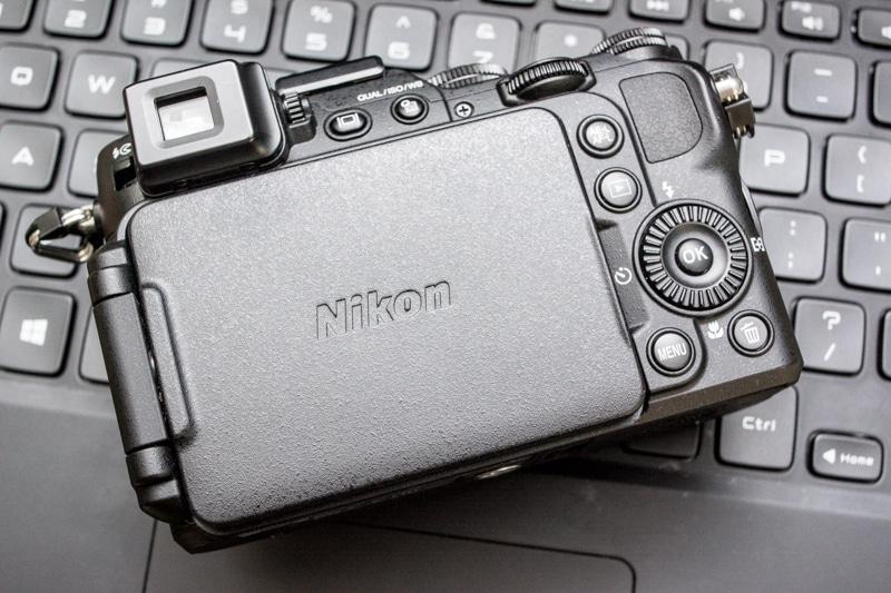 Nikon-p7800-back-2