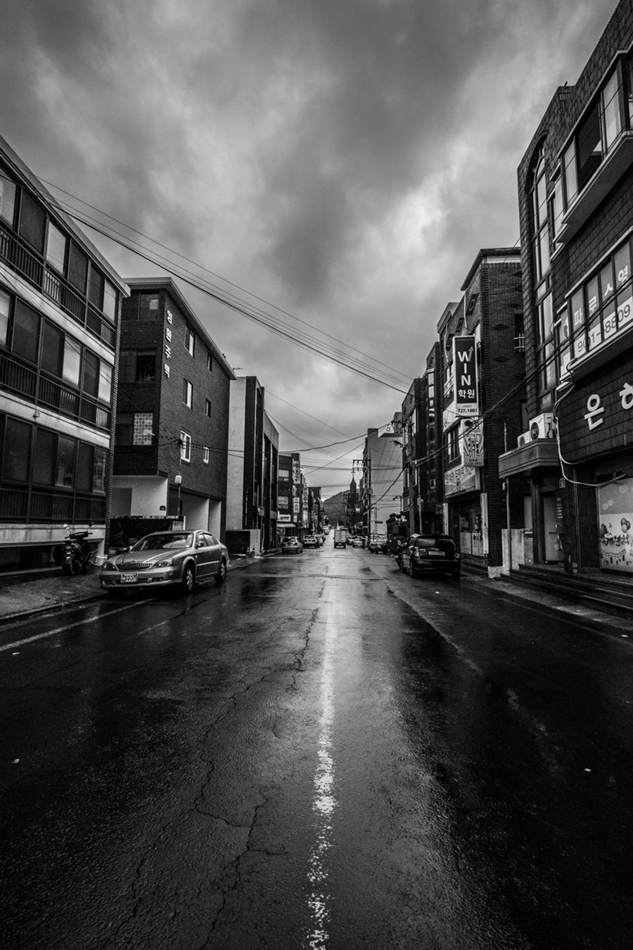 Shot of a street in Korea shot with the Fuji 10-24mm wide angle lens