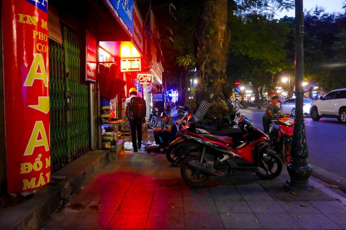 Hanoi street photography 1